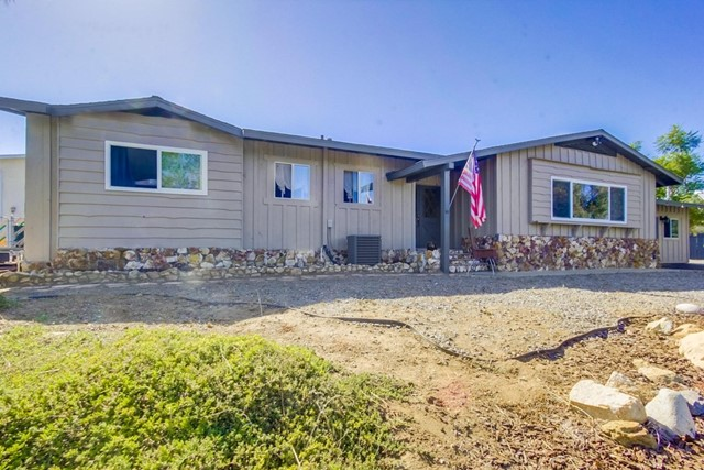 8920 Lakeview Road, Lakeside, CA 92040
