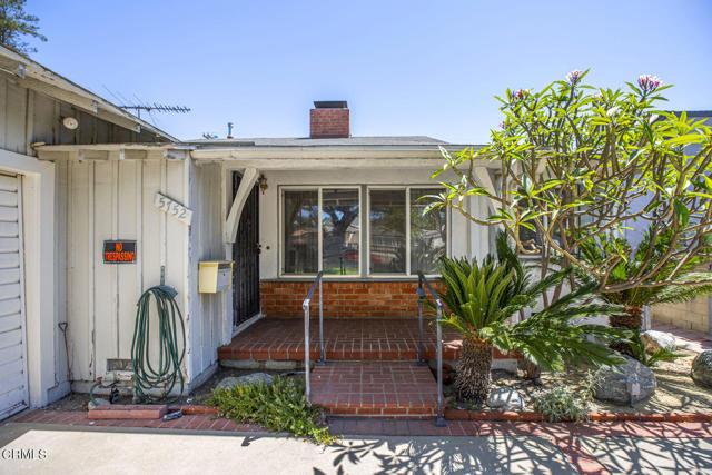 2. 5752 Bucknell Avenue Valley Village, CA 91607