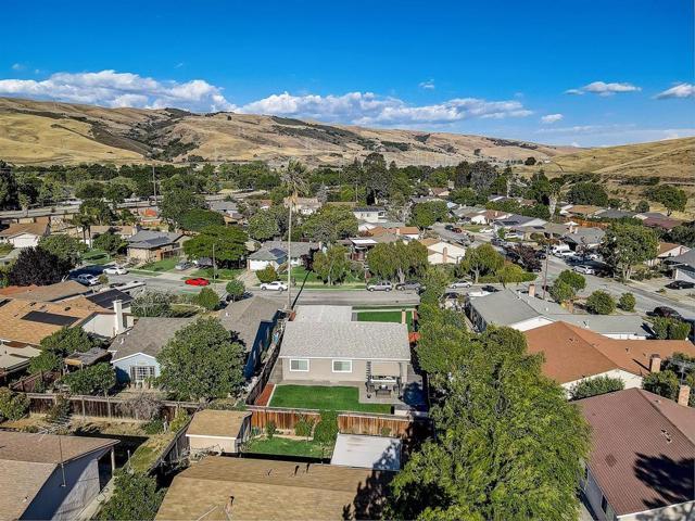 34. 25 Uxbridge Court San Jose, CA 95139