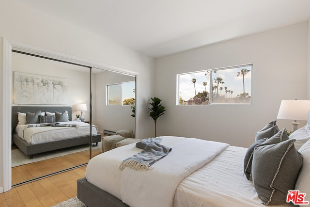 22. 1424 Amherst Avenue #306 Los Angeles, CA 90025