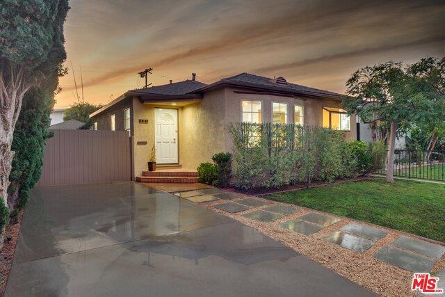 221 BERNARD Avenue, Venice, California 90291, 3 Bedrooms Bedrooms, ,2 BathroomsBathrooms,For Sale,BERNARD,17293392