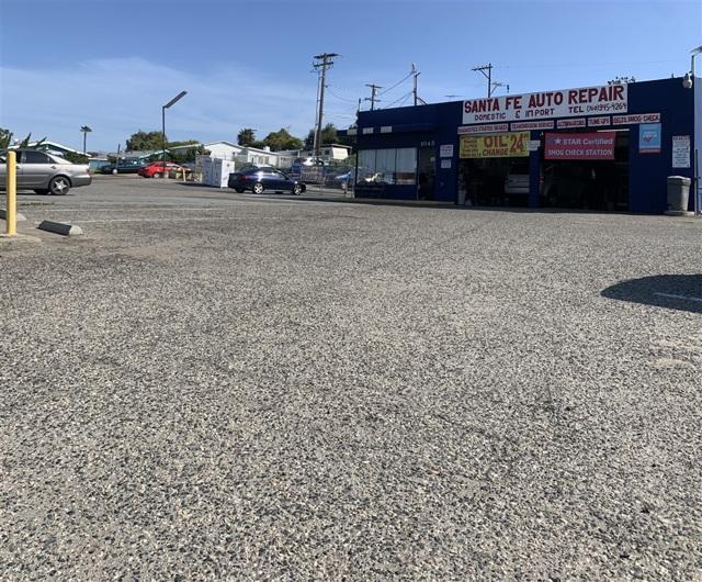 1045 N Santa Fe Ave, Vista, CA 92084