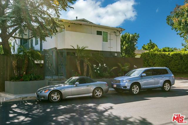 4407 IRVINE Avenue, North Hollywood, CA 91602