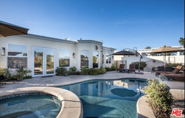 Photo of 5234 Calatrana Drive, Woodland Hills, CA 91364