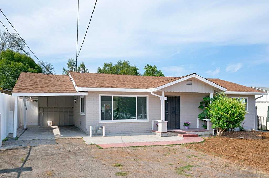 117     Nevada Ave, Vista CA 92084