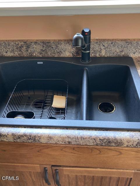 amherst kitchen sink