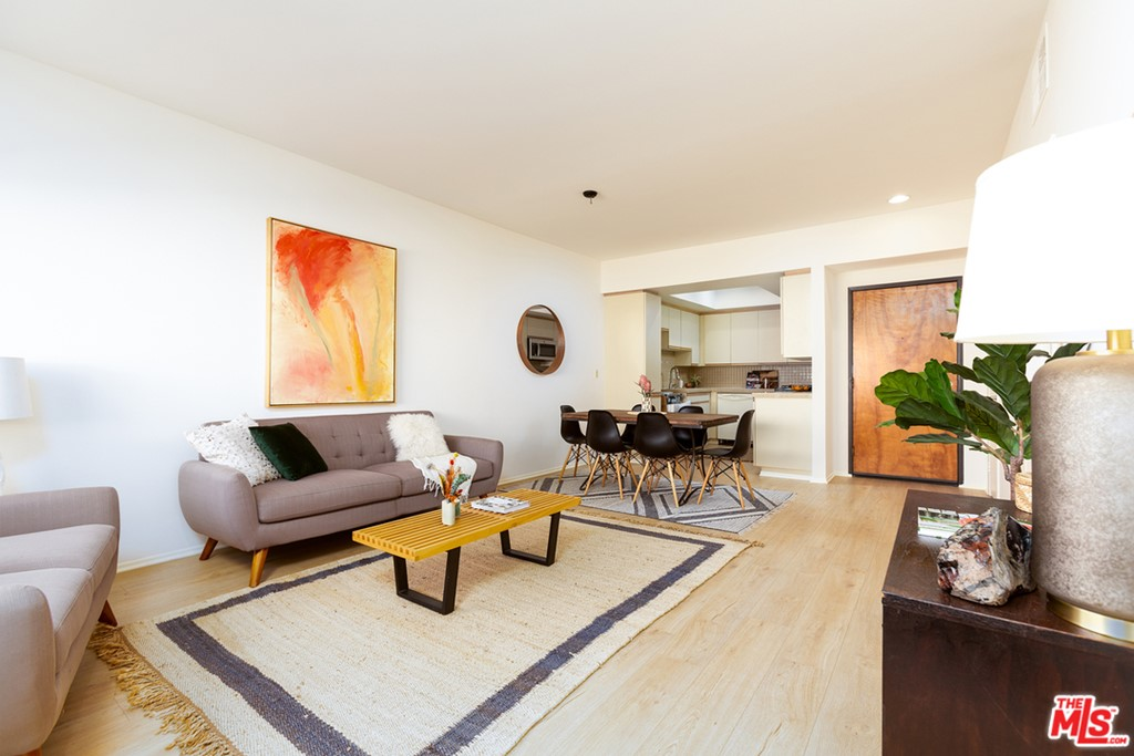 1818     Glendon Avenue   202, Los Angeles CA 90025