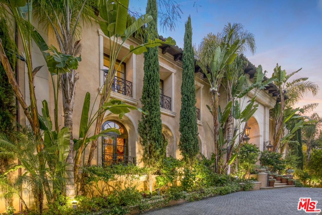 Photo of 909 Hartford Way, Beverly Hills, CA 90210