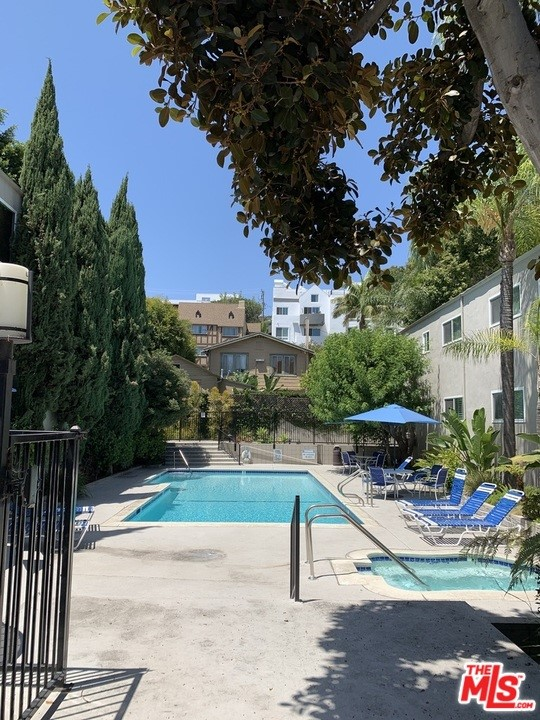 Photo of 976 Larrabee Street #131, West Hollywood, CA 90069