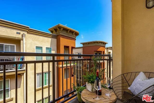 6020 S Seabluff Dr, Playa Vista, CA 90094 Photo 7