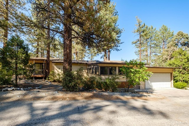 1650 Blackbird Rd, Wrightwood, CA 92397
