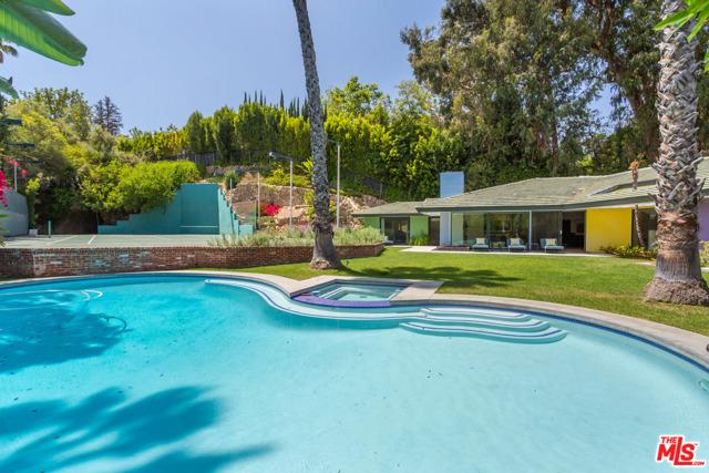 1009 N Beverly Drive, Beverly Hills, CA 90210