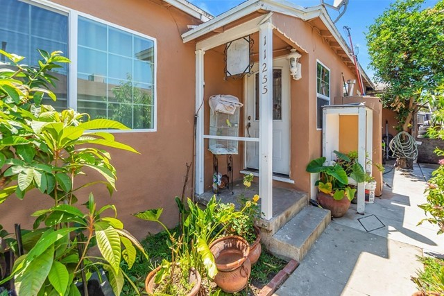 11253 Pope Avenue, Lynwood, CA 90262