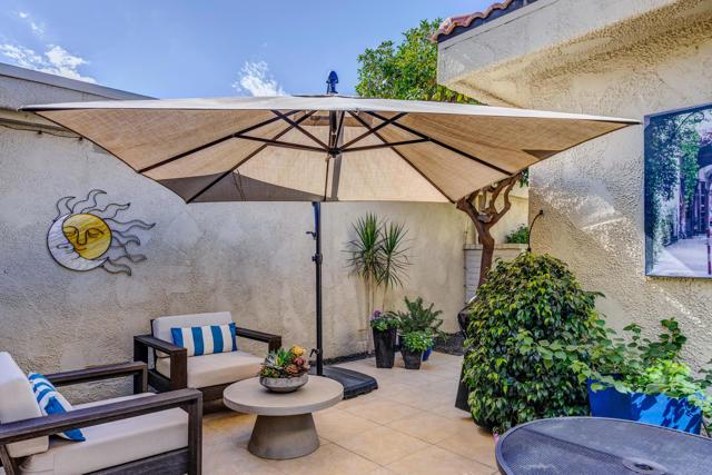 10. 2376 Oakcrest Drive Palm Springs, CA 92264