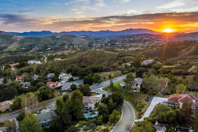 5462 Edgecliff Circle, Westlake Village, CA 91362
