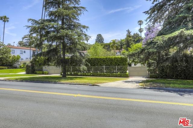 13. 5222 Los Feliz Boulevard Los Angeles, CA 90027