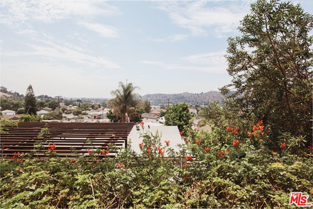 33. 1169 Isabel Street Los Angeles, CA 90065
