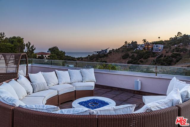 34. 21070 Las Flores Mesa Drive Malibu, CA 90265