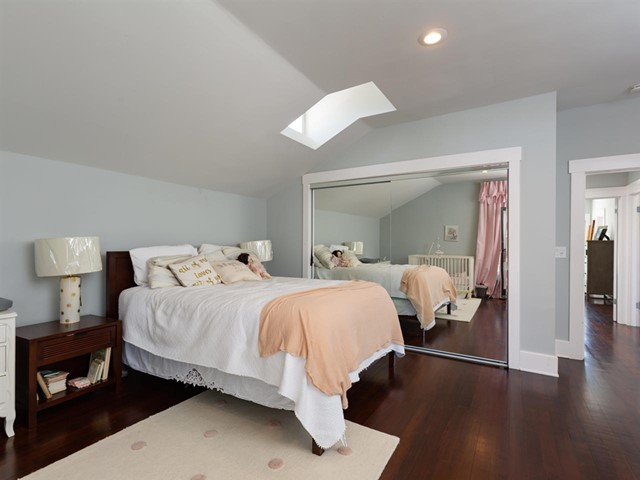 Second bedroom - also a full master!
