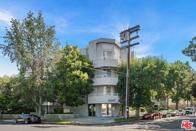 15507 Moorpark Street, Encino, CA 91436