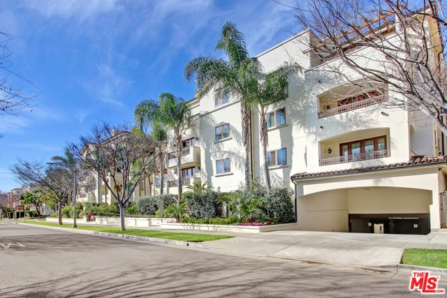 261 S REEVES Drive 105, Beverly Hills, CA 90212
