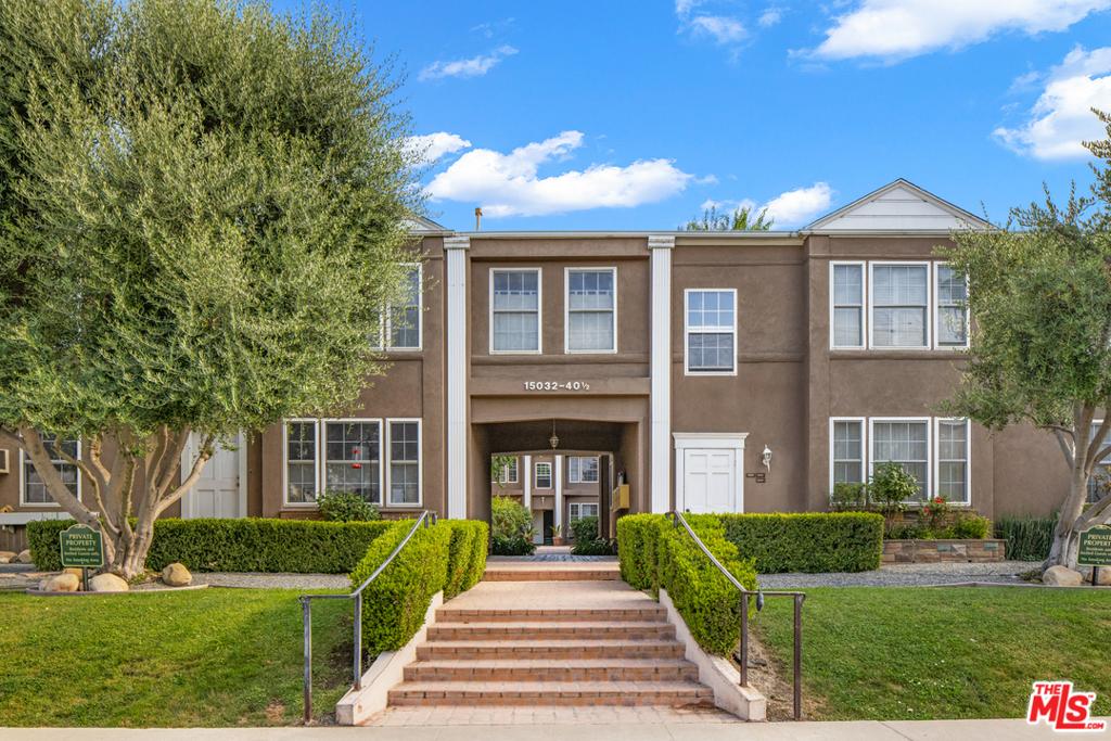 15032 1/2   Dickens Street, Sherman Oaks CA 91403