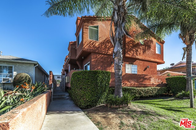 14714 BUDLONG Avenue, Gardena, California 90247, 3 Bedrooms Bedrooms, ,3 BathroomsBathrooms,Townhouse,For Sale,BUDLONG,20556136