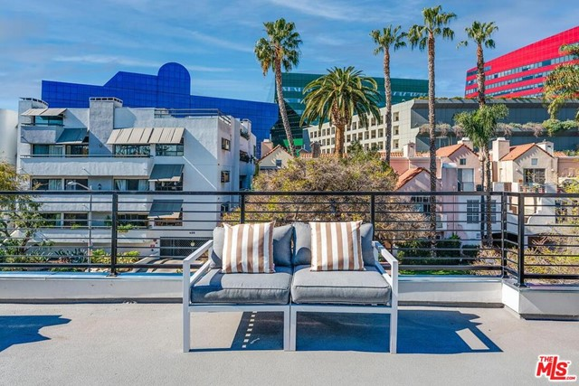Photo of 634 N Huntley Drive #1, West Hollywood, CA 90069