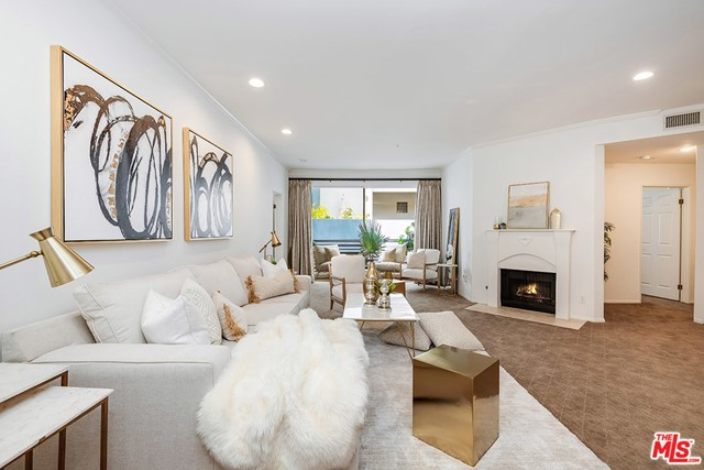 3947 Carpenter Avenue 302, Studio City, CA 91604