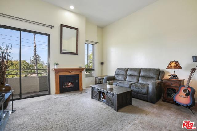 13920 Moorpark Street 307, Sherman Oaks, CA 91423