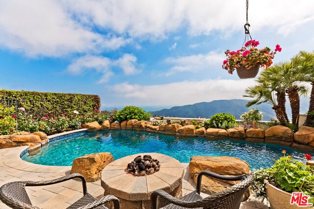 1738 CHASTAIN, Pacific Palisades, CA 90272