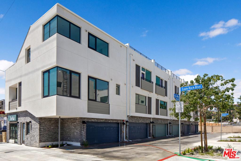 1611   N Arla Way, Los Angeles CA 90041