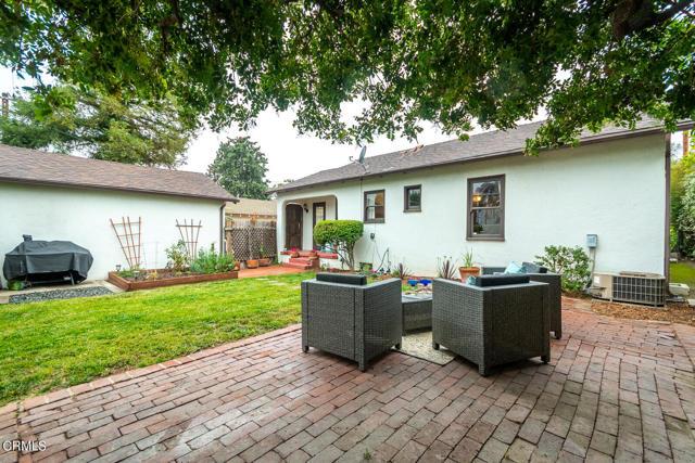 27. 2120 Parnell Way Altadena, CA 91001