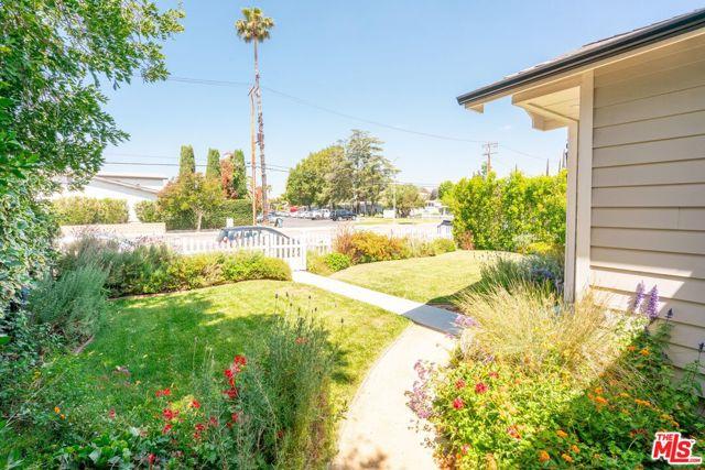 5. 5812 Lindley Avenue Encino, CA 91316