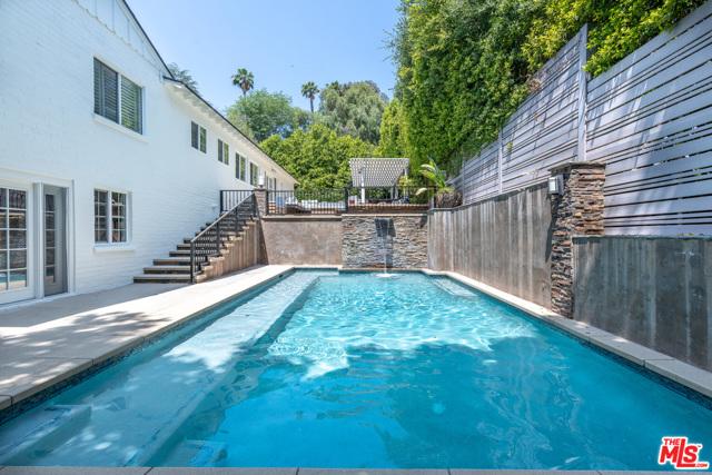 42. 16633 Oak View Drive Encino, CA 91436