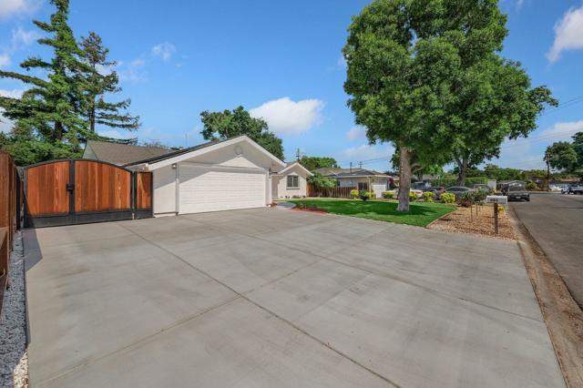 2. 881 Stonehurst Way Campbell, CA 95008