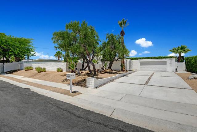 2. 3390 E Paseo Barbara Palm Springs, CA 92262