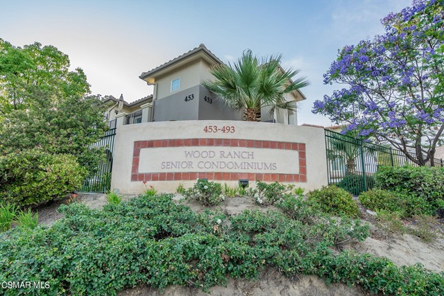 45. 461 Country Club Drive #111 Simi Valley, CA 93065