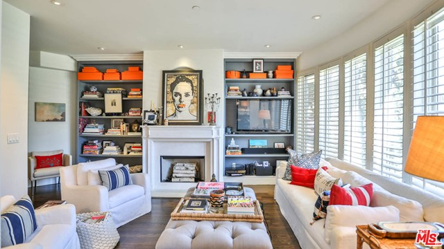 Photo of 137 S Spalding Drive #106, Beverly Hills, CA 90212