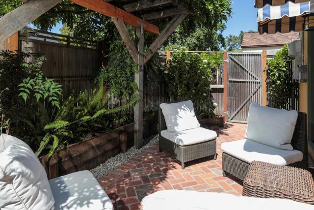 11. 2130 Bowdoin Street Palo Alto, CA 94306
