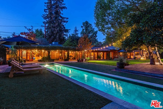 3738 Laurel Canyon Boulevard, Studio City, CA 91604