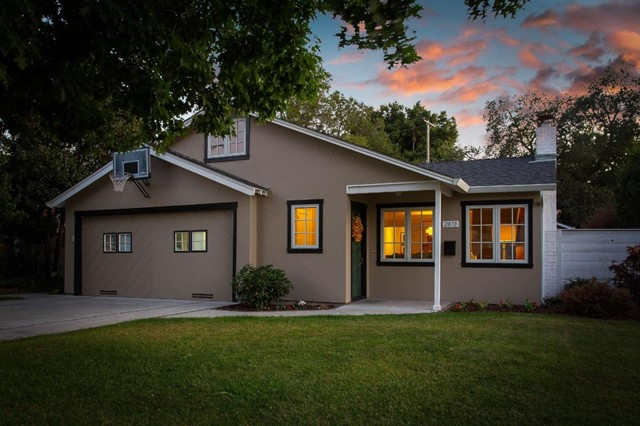 2870 South Court, Palo Alto, CA 94306