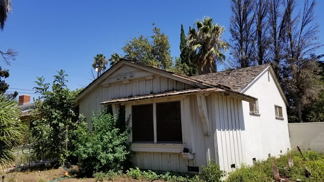 10504 Halbrent Avenue, Outside Area (Inside Ca), CA 91345
