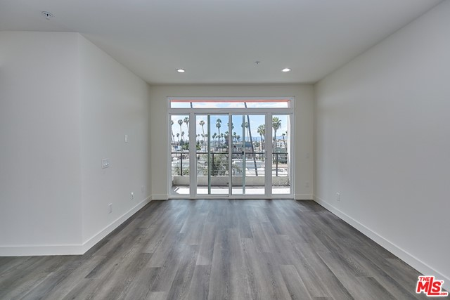 3. 900 S Kenmore Avenue #506 Los Angeles, CA 90006