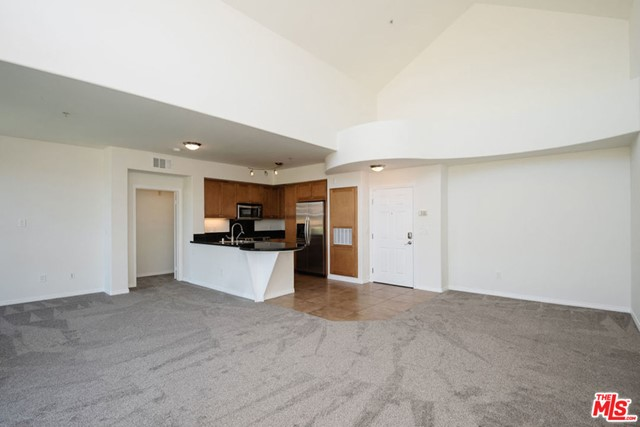 13044 Pacific Promenade, Playa Vista, CA 90094 Photo 4