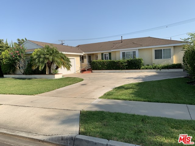 Photo of 1774 W Chalet Avenue, Anaheim, CA 92804