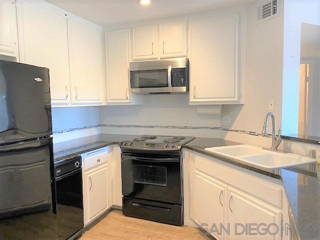 17607     Pomerado Rd     103, San Diego CA 92128