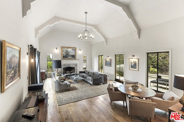 Image 11 of 3705 Lowry Rd, Los Angeles, CA 90027