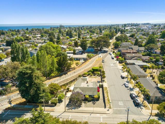 34. 929 Bay Street Santa Cruz, CA 95060