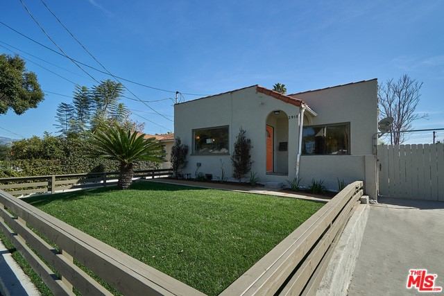 2918 GLENEDEN Street, Los Angeles, CA 90039